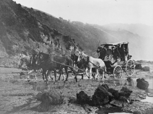 Horse-drawn_coach,_Tolaga_Bay,_Gisborne_Region,_c._1880s